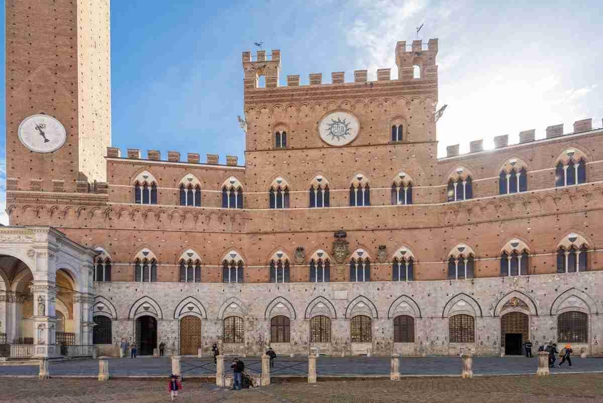comune siena torre e palazzo